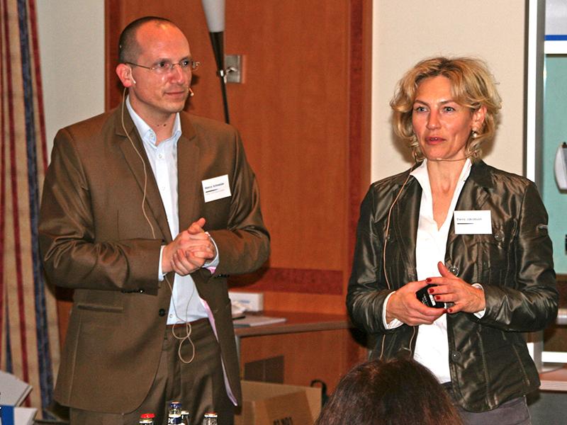 Begrüßung der Teilnehmer durch Elena Jakobson und Marco Schneider